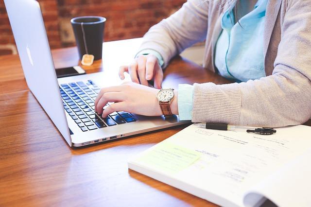 Flexibel Arbeiten   Foto:(c) StartupStockPhotos/pixabay.com