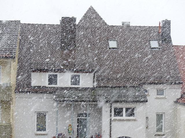 Immobilie für Herbst und Winter vorbereiten |  Foto: (c) Hans/pixabay.com