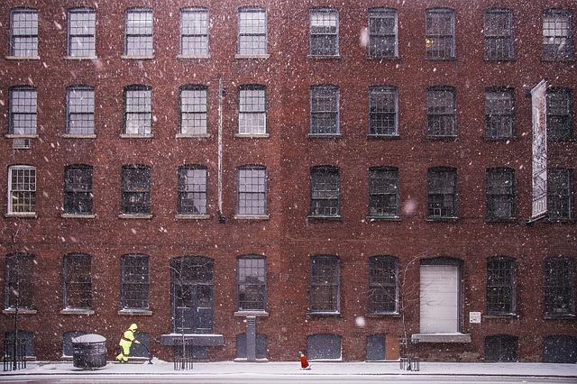 Winterdienst bei Wohngebäuden  Planung, Durchführung und Absicherung