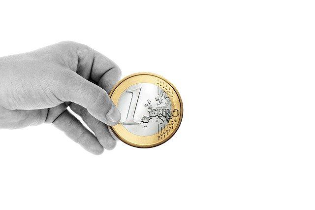 Geldspende in Coronazeiten | Foto:(c) geralt/pixabay.com