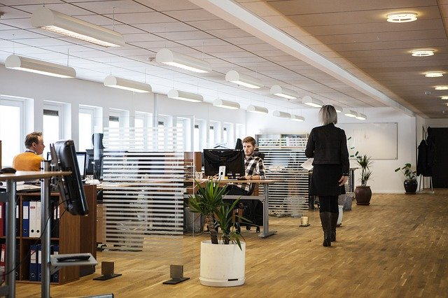 Corona-Regeln am Arbeitsplatz-  damit die Wirtschaft wieder in Schwung kommt